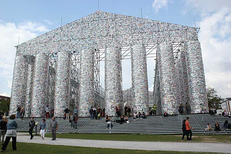 Marta Minujín, Parthenon of Books